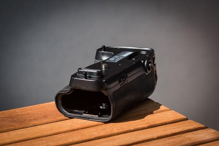 Stativplatte beim MB-D16 von Nikon