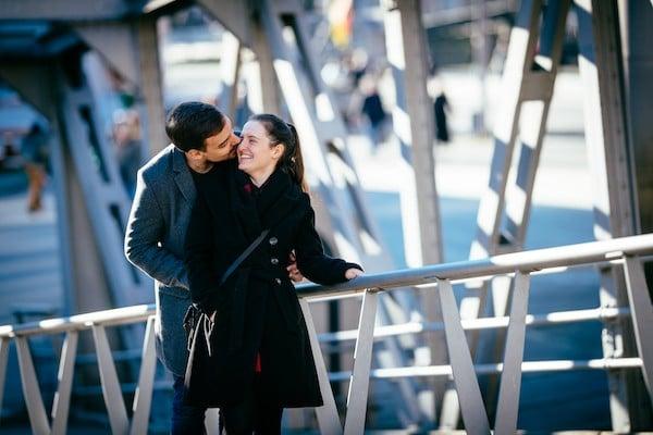 Paar in der Speicherstadt Hamburg