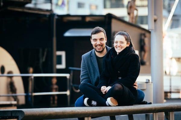 Paar in der Hafencity Hamburg